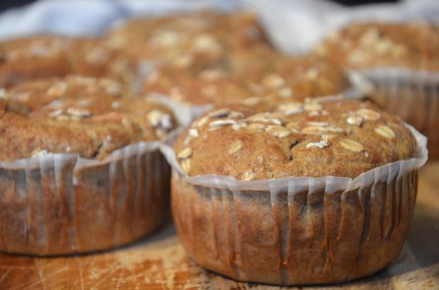 Banana & walnut muffins