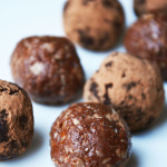 Cacao & apricot protein balls